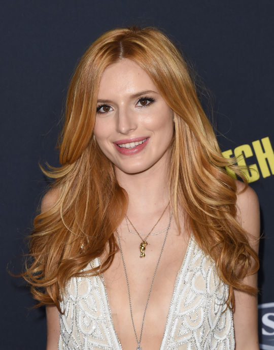 pitch-perfect-wavy-hair-inspiration-bella-thorne-w540