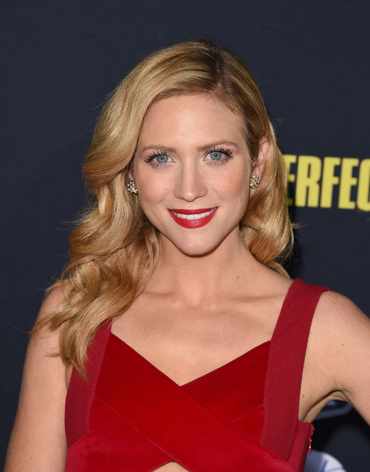 pitch-perfect-wavy-hair-inspiration-brittany-snow-w540